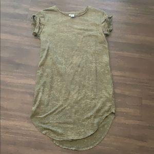 Green sweatshirt dress. Never worn XS